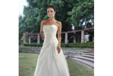 "Davinci ""In Stock"" Wedding Dress - Style 8412"