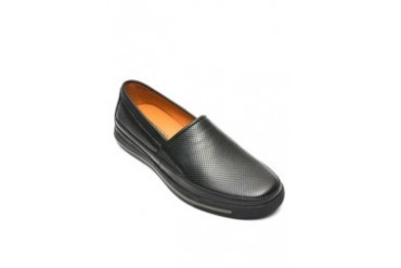 Leather slip-on black shoes