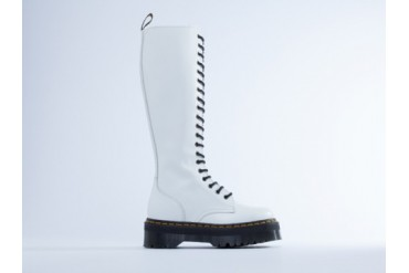 Dr. Martens Britain in White Polished size 10.0