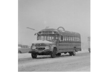USA, School bus in Winter Poster Print (24 x 36)