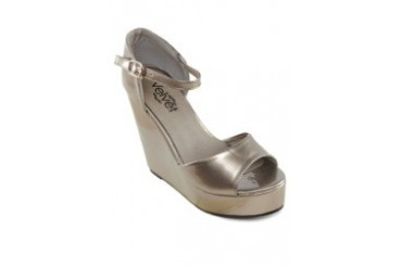 Arianna Metallic Wedges