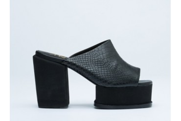 YES Jan in Black Black size 6.0