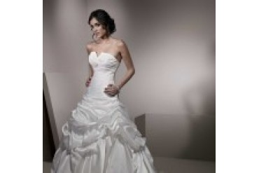"Ella Rosa ""In Stock"" Wedding Dress - Style BE139"