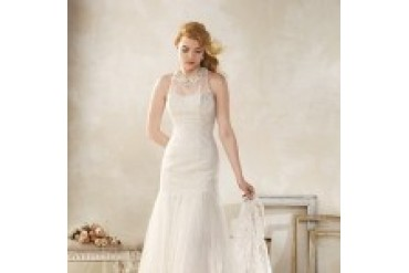 "Alfred Angelo ""In Stock"" Modern Vintage Wedding Dress - Style 8515"