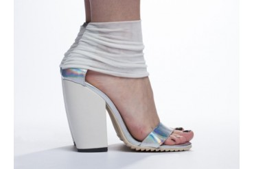 UNIF Pyre Heel in Hologram size 8.0