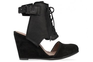 Minimarket Wedge Rock in Black size 6.0